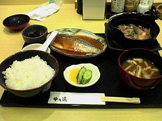 鯖の味噌煮と肉豆腐定食