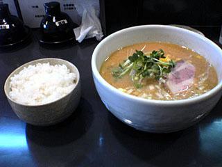 みそらーめん+餃子+白飯