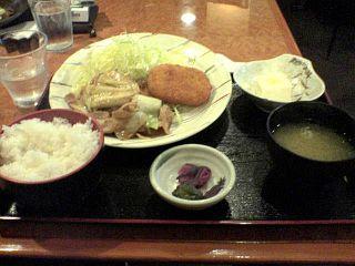 豚肉と春キャベツ炒め&コーンクリームコロッケ
