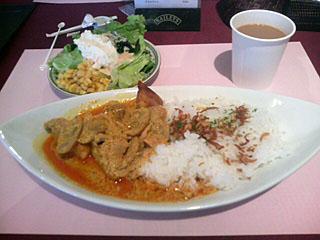 タイ風 鶏とキノコのイエローカレー