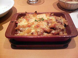 ボロネーゼとチーズのペンネオーブン焼き